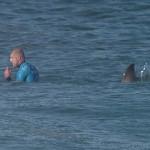 Video :: Surfer Fanning survives shark attack
